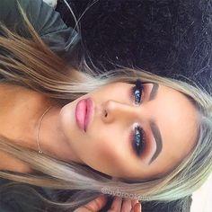 Wearing @thelashstorehq 'Sydney' lash! ✨✨✨✨✨✨✨✨✨✨✨✨✨✨✨✨✨✨ Eyes: @anastasiabeverlyhills eyeshadow in Henna, Fudge, Morocco and Intense Gaze + @makeupgeekcosmetics eyeshadow in Chickadee, Peach Smoothie and Corrupt + @napoleonperdis Loose Eye Dust in 'Copper Element' and @anastasiabeverlyhills 'Starlight' Illuminator in tear duct (inner corner) Lips: Natural lip just added a tiny bit of @anastasiabeverlyhills 'Gilded' lip gloss Brows: @anastasiabeverlyhills #BrowPowder in 'Blonde' + Loreal…