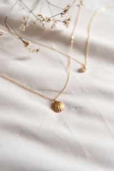 My Positive Style Simple Jewelry, Cute Jewelry, Photo Jewelry, Jewelry Shop, Gold Jewelry, Jewelry Accessories, Jewelry Necklaces, Fashion Jewelry, Jewelry Design