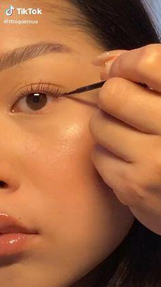 Edgy Makeup, Makeup Eye Looks, Eyeliner Looks, Eye Makeup Art, Natural Eye Makeup, Skin Makeup, Natural School Makeup, Makeup Tutorial Eyeliner, Makeup Looks Tutorial