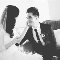 Brendon Urie Wedding Sparkly Cupcakes Fall Out Boy Mein Liebling Crying