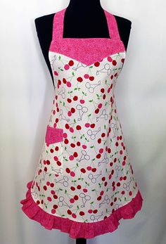 Flirty Apron Pattern Free | Meet the Flirty Chic Apron Pattern - The Seasoned Homemaker