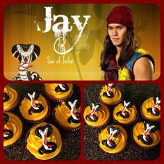 Descendants Jay cupcakes – Sweet World Ideas 6th Birthday Parties, Happy Birthday Cards, Girl Birthday, Movie Cupcakes, Themed Cupcakes, Descendants Cake, Disney Descendants, Unhappy Birthday, Villains Party