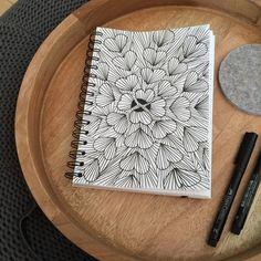 Illustration *** Playing with hearts for repeat patterns *** Recherche de motifs avec cœurs. www.francemars.com