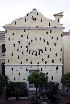 "Sensible citizens can make there cities museums.  ""Entropy"" New Mural In Melilla, Spain/Morocco."