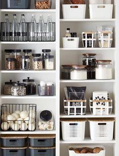 Kitchen Organization Pantry, Home Organisation, Diy Kitchen Storage, Organized Kitchen, Pantry Ideas, Kitchen Organizers, Pantry Shelving, Shelving Ideas, Organize Food Pantry