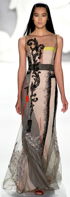Carolina Herrera Spring Summer 2013 http://www.vogue.it/en/shows/show/spring-summer-2013-ready-to-wear/carolina-herrera/collection/499655