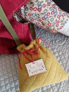 Le blog de Plume de lin - bienvenue dans mon petit atelier...des petits points....des aiguilles et de la patience..... Couture, Points, Patience, Burlap, Blog, Reusable Tote Bags, Welcome, Handmade, Atelier