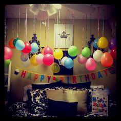 DIY bedroom birthday balloons:)