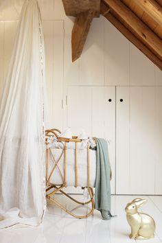 hemeltje en vintage wieg  canopy vintage crib babykamer nursery