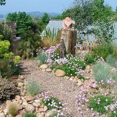 Beach Theme Garden, Seaside Garden, Coastal Gardens, Beach Gardens, Garden Cottage, Pebble Garden, Gravel Garden, Garden Path, Gravel Front Garden Ideas