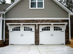 Two Car Garage With White Attached Pergola : Garage Pergola For Exciting Focal Point A garage pergola can add architectural detail. Many types of garage pergola are placed just above a doorway and extend slightly outward. Cheap Garage Doors, Double Garage Door, Modern Garage Doors, Double Doors, Garage Trellis, Garage Pergola, Pergola Patio, Pergola Ideas, Rustic Pergola
