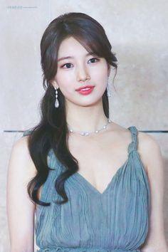 K-Pop Babe Pics – Photos of every single female singer in Korean Pop Music (K-Pop) Beautiful Girl Image, Beautiful Asian Women, Suzy Bae Fashion, Korean Beauty, Asian Beauty, Miss A Suzy, Bae Suzy, Korean Actresses, Cute Asian Girls