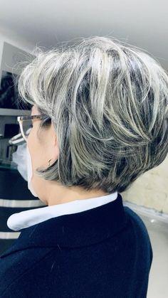 Short Grey Hair, Short Hair Older Women, Short Straight Hair, Short Hair With Layers, Short Hair Cuts For Fine Thin Hair, Layered Bob Short, Short Hairstyles Over 50, Older Women Hairstyles, Medium Hair Styles