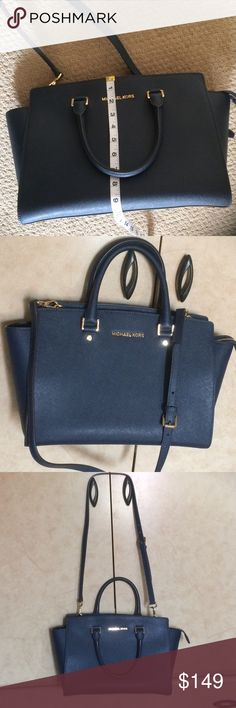 Large Selma Michael Kors Clean and in good condition. No stains or rips Michael Kors Bags Satchels