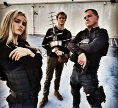 Isabel Lucas (new cast member), Lucas Till (Angus Macgyver) and George Eads (Jack Dalton) behind the scenes for Macgyver season 2!