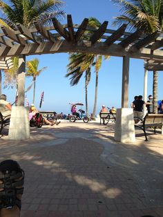 I like to park near here, sort of right in the middle of the Broadwalk....Hollywood Beach, Florida