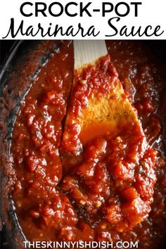 After you make your own homemade marinara you'll never go back to jarred again! My easy Crock-Pot Marinara Sauce is a healthy and simple sauce to add to your Italian inspired dinners! Families all around will be thrilled with the meals you can make from Ww Recipes, Slow Cooker Recipes, Crockpot Recipes, Healthy Recipes, Freezer Recipes, Healthy Foods, Game Recipes, Lunch Recipes, Pasta Recipes