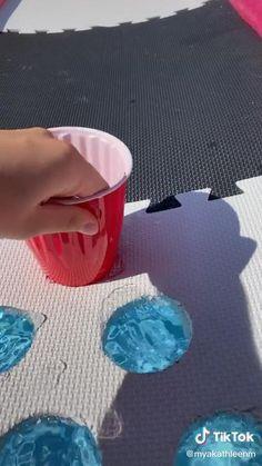 Pool Party Games, Teen Party Games, Pool Party Decorations, Pool Party Activities, Pool Party Drinks, Drinking Games For Parties, Camping Drinking Games, Outdoor Drinking Games, Adult Drinking Games