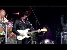 ▶ Jeff Beck - Little Wing 6-12-2011 - YouTube