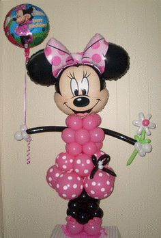 Minnie Mouse created from balloons!  Great party idea!