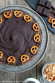 Tolles Rezept für eine außergewöhnliche Kühlschranktorte: Der Schoko-Brezel-Cheesecake vereint süße Schokolade und salzige Brezeln.
