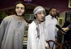 15-Apr-2013 6:22 - EXTREMISTEN JUTTEN JONGE MOSLIMS OP. De organisaties Sharia4Holland, Behind Bars en het officieel opgeheven Sharia4Belgium zijn netwerken voor jonge, zeer orthodoxe jihadstrijders.…...