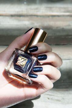 Estée Lauder Pure Color Nail Lacquer in Blue Blood