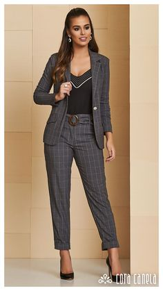 New Pin on Board: womensfashion Suit Fashion, Fashion Pants, Love Fashion, Girl Fashion, Fashion Dresses, Womens Fashion, Business Casual Outfits, Chic Outfits, Look Office