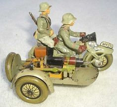 Hausser (Elastolin) Military-Vehicles Motorcycle with tow soldiers, H