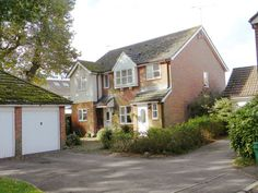 £219,9503 Bedroom Semi Detached House - Canberra Close, Crawley, West Sussex, RH11 7UB Estate Agents