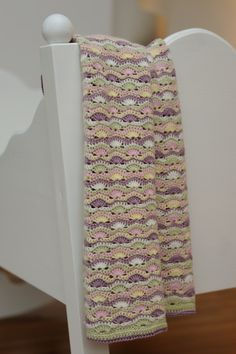 wavy baby blanket  Scroll down for English translation