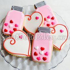 Valentine's Day Cookies - Mason Jar cookies #valentine #valentinesday #masonjar www.sweetbellabakery.com