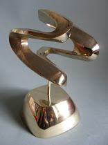 "Bronze sculpture, ""Spiral"". https://www.facebook.com/jichici.mircea https://www.facebook.com/pages/Mircea-Jichici-painting/284399895040599  http://www.youtube.com/user/MrJichici"
