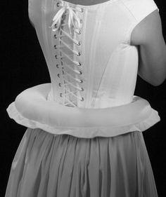 17 c. Bum Roll ropa interior histórico por PeriodCorsets en Etsy