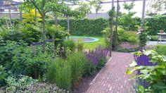 Gezinstuin met meer beleving te Alphen aan den Rijn. Tuinontwerp: De Tuinregisseurs Garden, Plants, Garten, Lawn And Garden, Gardens, Plant, Gardening, Outdoor, Yard