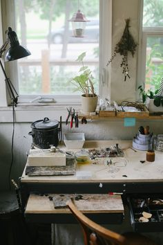 my scandinavian home: Beautiful photography inspiration From Lean Timms (such a lovely creative workspace). Natural Wood Decor, Art Studio Design, Workspace Inspiration, Design Inspiration, Amber Interiors, Slow Living, Home And Deco, Scandinavian Home, Minimalist Decor