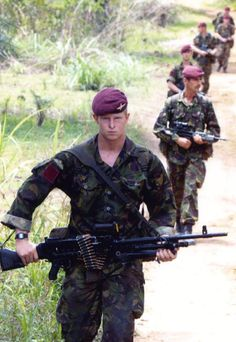 On 7 May 2000 1 PARA group less A company but reinforced by D Company 2 PARA was deployed to Sierra Leone at very short notice to evacuate UK and other civilians threatened by Revolutionary United Front (RUF) rebels and other insurgents around Freetown.