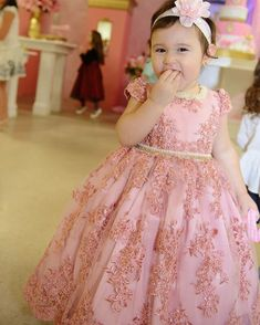low cost healthy recipes for two people kids pictures Baby Girl Party Dresses, Dresses Kids Girl, Baby Dress, Girl Outfits, Flower Girls, Flower Girl Dresses, Kids Frocks Design, La Girl, Frock Design