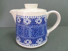"""VINTAGE 1960""""S ARABIA BLUE & WHITE TEAPOT .. MADE IN FINLAND"""