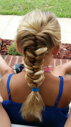 Fishtail braid. Anyone else think it looks like Anna's hair from Frozen??