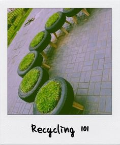 #Recycle old #tyres, add artificial turf inside some legs and you have seats for outdoor use! Brilliant