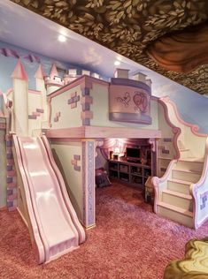 kleinkind zimmer Princess castle for girl. Paint for a boy. Or do a pirate ship for boy