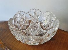Crystal Serving Bowl Heavy Thick Hobstar by Collectitorium on Etsy Halloween Candy, Star Patterns, Candy Dishes, Serving Bowls, China, Crystals, Gold, Handmade, Stuff To Buy