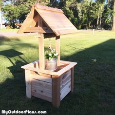 DIY Cedar Wishing Well | MyOutdoorPlans | Free Woodworking Plans and Projects, DIY Shed, Wooden Playhouse, Pergola, Bbq