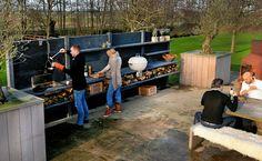 Basic Kitchen Area Concepts For Inside or Outside Kitchen areas – Outdoor Kitchen Designs Modular Outdoor Kitchens, Outdoor Kitchen Design, Urban Landscape, Landscape Design, Built In Braai, Pergola, Basic Kitchen, Outdoor Living, Outdoor Decor