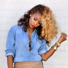 2015 Hair Color Trends For Black Women. Thinking of switching up your hair color? Well now's the time to do it! 2015 is all about loving & enjoying your hair, so if rocking vibrant stra… Ombré Hair, Big Hair, Curls Hair, Glam Hair, Love Hair, Gorgeous Hair, Curly Hair Styles, Natural Hair Styles, Coiffure Hair