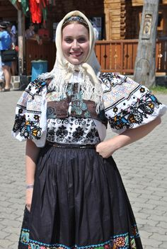 Woman dressed in a folk costume from Abelova, Novohrad, Central Slovakia Ukraine, Ethnic Outfits, Ethnic Clothes, Fashion Art, Womens Fashion, Ethnic Fashion, Travel Clothes Women, Folk Embroidery, Outfits