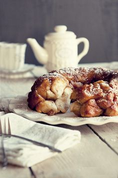 French Toast Monkey Bread #recipe from www.dineanddish.net