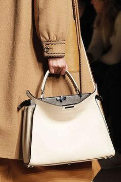 All About the Bag - Back on the slighter scale 9fb94c9536390