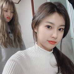 Kpop Girl Groups, Kpop Girls, Baby Ducks, Best Kpop, Japanese Girl Group, Bae Suzy, Female Singers, The Wiz, Ulzzang Girl
